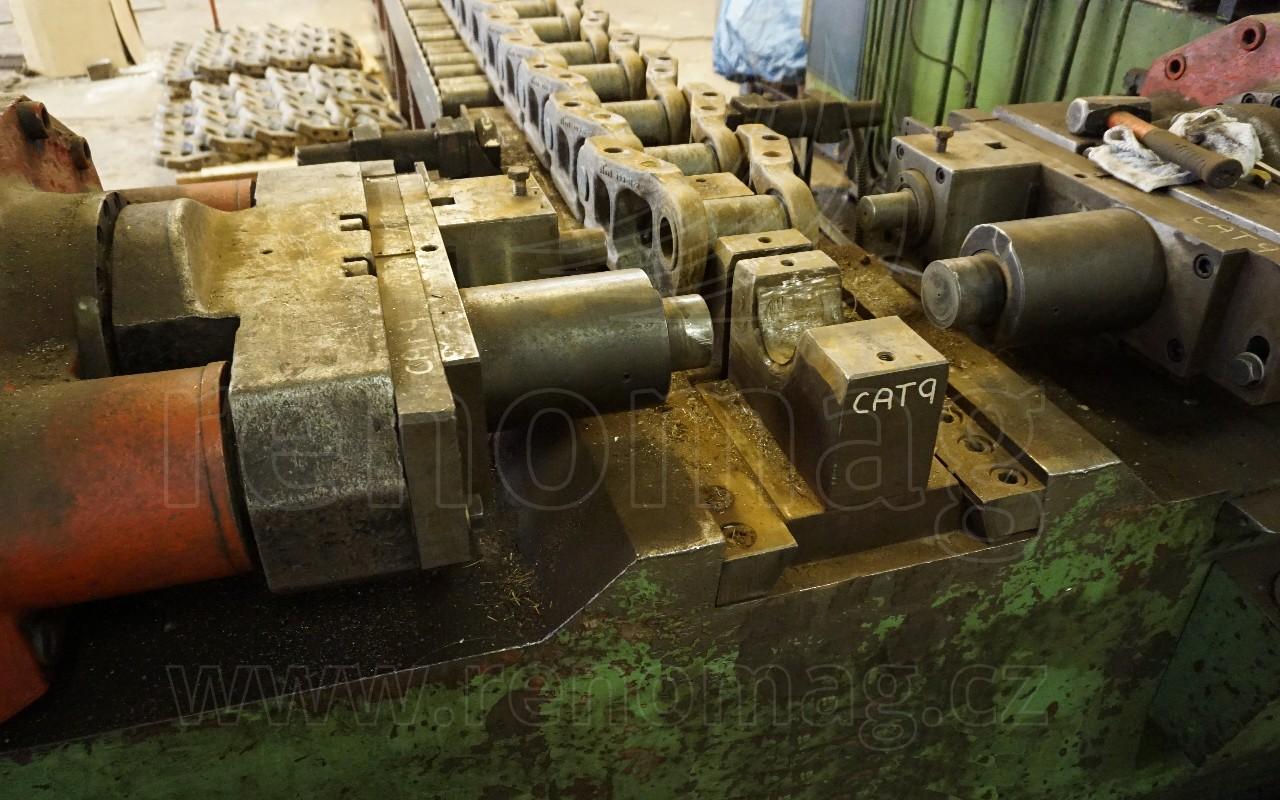 Renovations - turning the chain bushings | Renomag